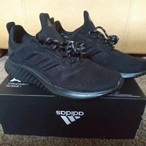 Nwt Adidas all black sneakers